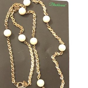 Silver chain with large pearls